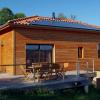 Maison avec toit à 4 pans