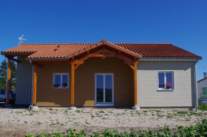 maison avec bardage sans entretien r sinence construction bois r sinence construction bois. Black Bedroom Furniture Sets. Home Design Ideas