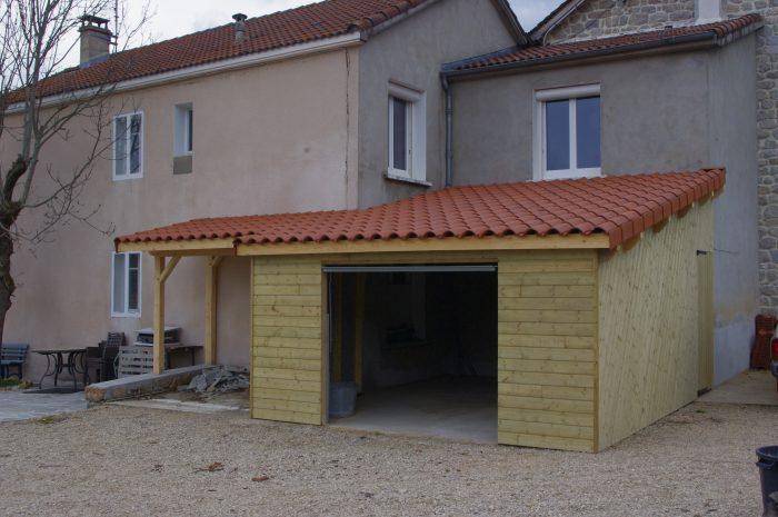 Garage avec abri à bois